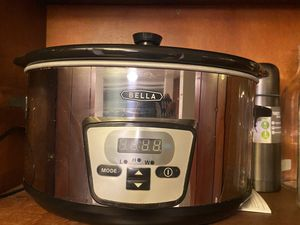 Bella crock pot for Sale in Los Angeles, CA