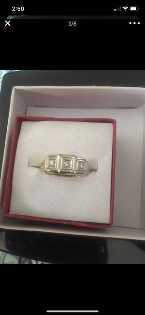14k beautiful 3 stone diamond ring size 6 best offer for Sale in San Jose, CA