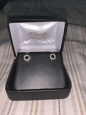 Sterling silver 1carat real black and white diamond big studs 200$ or best offer for Sale in Elk Grove, CA