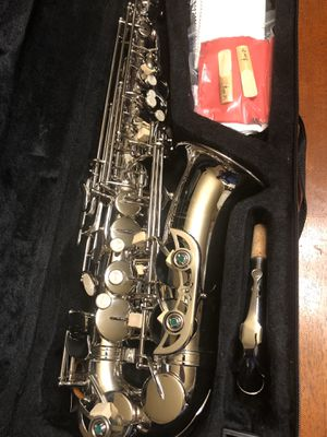 Nice Silver Alto Saxophone with New Set of Reeds Excellent Condition for Sale in Kennedale, TX