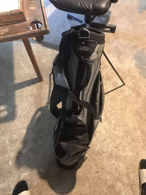Dunlop Youth Standing Golf bag in with backpack straps for Sale in Elizabeth, NJ