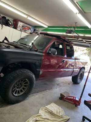 2005 Chevy Silverado(TRADE FOR A RUNNING 240sx) for Sale in Corona, CA