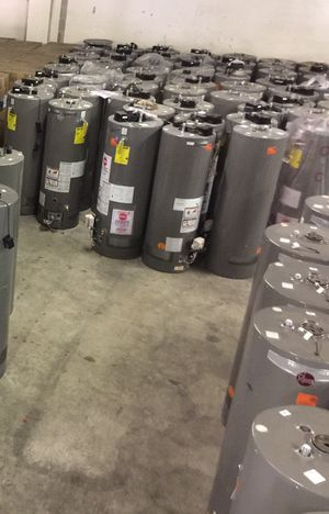 Brand new short 40 gallon hot water tank gas for Sale in Columbus, OH