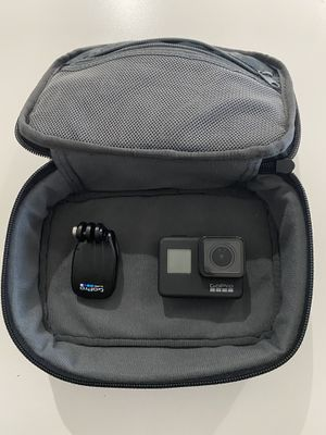 Go pro hero 7 black (bag included) for Sale in Miami, FL