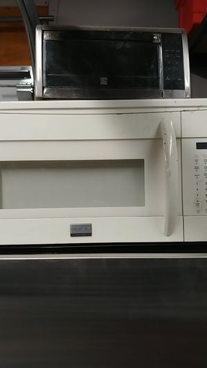 Frigidaire microwave for Sale in Homer Glen, IL