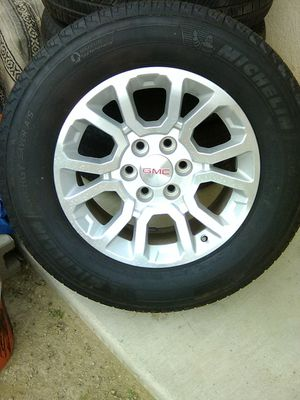 265-65-18. Michelin tires on Chevy/GMC for Sale in Poway, CA