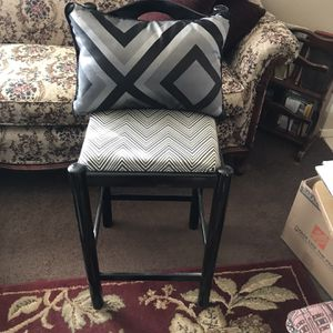 Small Stool for Sale in Victorville, CA