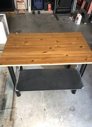Small desk for Sale in Hutto, TX