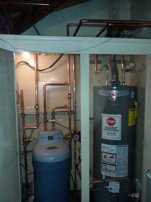 Water heater y filtros se instalan for Sale in Bloomington, CA