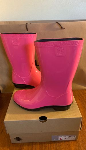 UGG KIDS RAANA DIVA PINK 4 & 13 for Sale in Bell Gardens, CA
