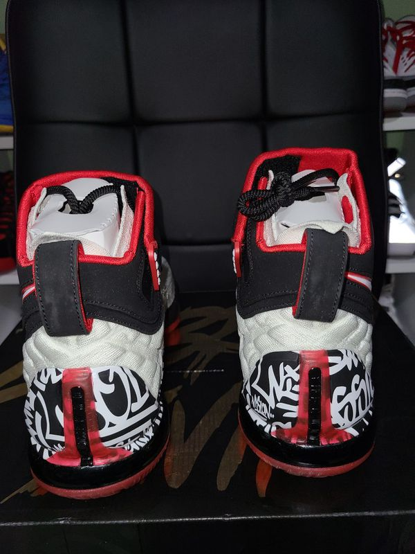 Nike lebron 17 grafiti size 10