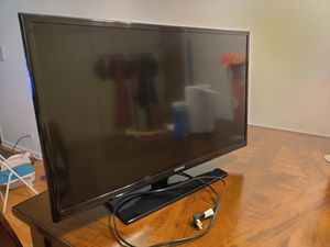 """Samsung tv 32"""" not smart tv for Sale in Palatine, IL"""