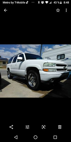 04 Chevy suburban Z71 4x4the price is negotiable for Sale in Moreno Valley, CA