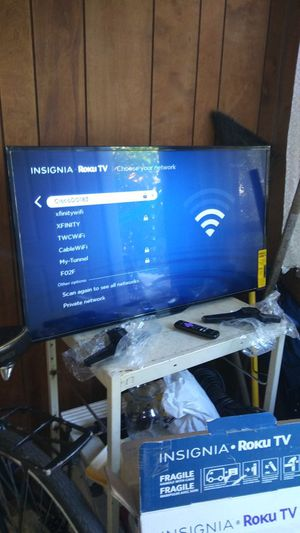 "39""INSIGNIA ROKU SMART TV for Sale in Chicago, IL"