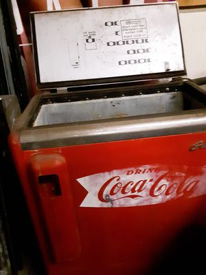 Old coke cooler this Coke machine is a floor model of a out of an old store and it still works make an offer for Sale in Kingsport, TN