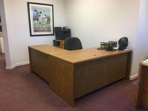 90 degree desk w/6 drawers & under desk storage for Sale in Concord, CA