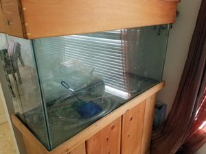 90 Gallon saltwater fish tank with wet jet system for Sale in Miami, FL