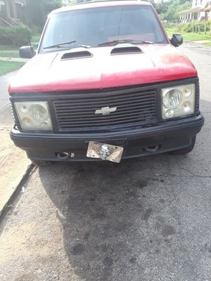 1992 Chevy 2 blazer just put new pfuel pump on just passed echeck asking for 400 dollars needs tons of work for Sale in Cleveland, OH
