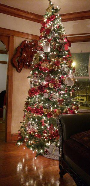 Árbol de navidad de 9 y medio pies for Sale in Chicago, IL