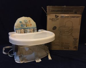 Deluxe Comfort folding booster seat for Sale in Fresno, CA