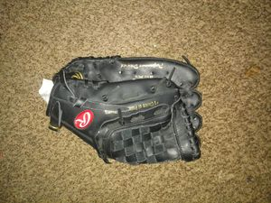 Lefty glove.. 11 1/2 inches for Sale in McKeesport, PA