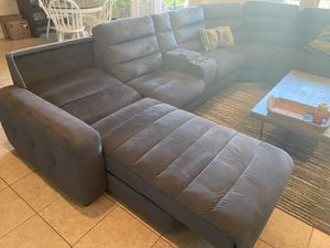 Rooms to go sectional eclectic recliners for Sale in Leander, TX