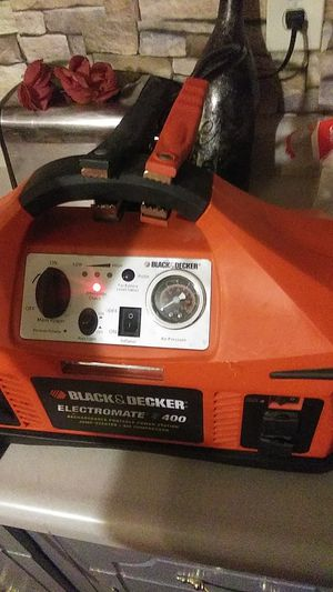 Black and decker car charger tire inflator with surface light 30$ for Sale in Brentwood, PA