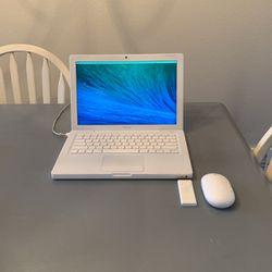 Mac Book (Late 2009) for Sale in Aurora,  OR