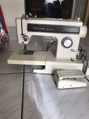 Super Clean Kenmore Ultra Stitch 12 free Arm Sewing Machine 120V 1Amp Dual Belt for Sale in Miami, FL