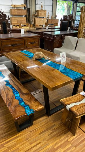 Beautiful Wood & Resin Tables W/ Steel Base for Sale in Vancouver, WA