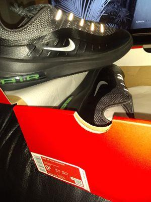 Nike Air Max 9.5 for Sale in Pasadena, CA