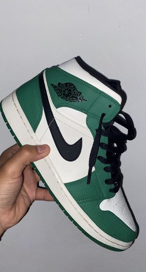 Jordan 1 mid Pine Green for Sale in Chicago, IL
