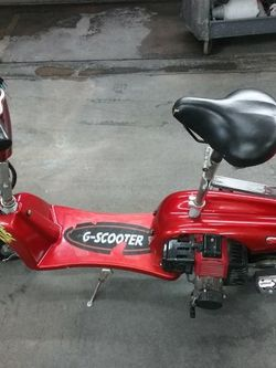 Gas Scooter 49 Cc Everything Is There No Missing Parts Just Need To Put Gas And Maybe Carburetor Cleaner for Sale in Huntington Beach,  CA