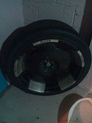24 in rims black and silver for Sale in Columbus, OH
