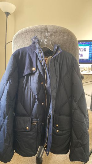 Moncler Jacket, good condition, heat retentive. for Sale in Los Angeles, CA