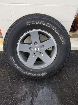 JEEP 5X5 5X127 WHEELS SET OF 5 SPECIAL COATING for Sale in Charlotte, NC