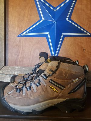 Keen BOOTS waterproof mens size 10 for Sale in Grand Prairie, TX