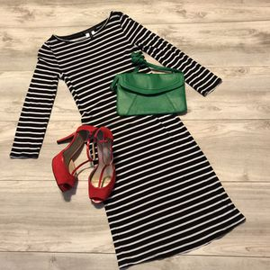 Black and White Striped Dress and Accessories for Sale in Mt. Juliet, TN
