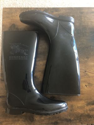 Women's Burberry rain boots (sz 6) for Sale in San Francisco, CA