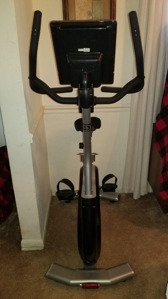 Upright Magnetic Exercise Bike