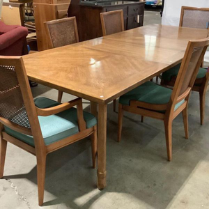 Beautiful Vintage Henredon Dining Set - Delivery Available for Sale in Tacoma, WA