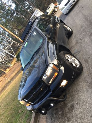 2007 Chevy trail blazer 183,000 $2,500 for Sale in Petersburg, VA