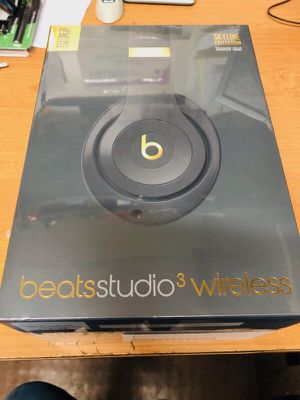 Brand new never used beats3 wireless still n plastic 250 obo for Sale in Columbus, OH