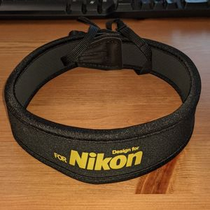 Nikon Cushioned Neck Strap for Sale in Pleasant Hill, CA