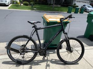 Trek Mountain Bike. Excellent Condition for Sale in Stockton, CA