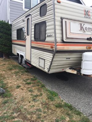 Travel trailer camper 20ft for Sale in Tacoma, WA