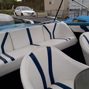 Power Boat For Sale..with 150 V6 A venture Outboard Motor ..lost Told me..has A Bill Of Sale..comr With 18 Foot Trailer..all Runs This still available for Sale in Santa Fe, TX