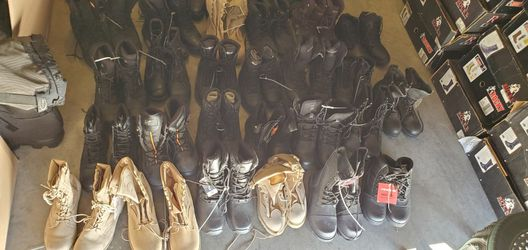 LOT OF 30 TACTICAL MILITARY BOOTS AMAZON RETURNS ROTHCO,CONVERSE,NEW BALANCE,RIDGE,THOROGOOD,LAW PRO ,CORCORAN for Sale in North Las Vegas,  NV