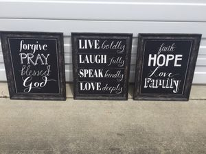 Wall decor for Sale in Puyallup, WA