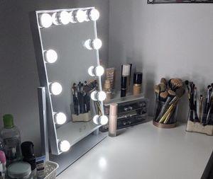 Vanity Light Mirror Display Makeup Camera for Sale in Los Angeles, CA